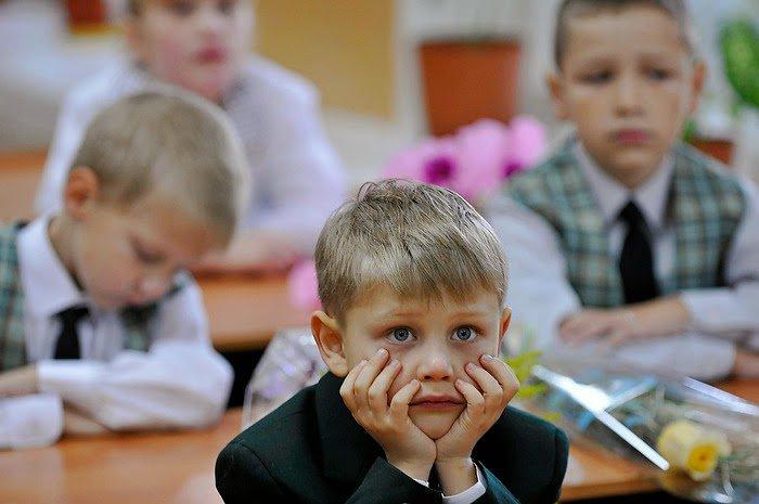 Почему у девочек более высокие оценки в школе, чем у мальчиков