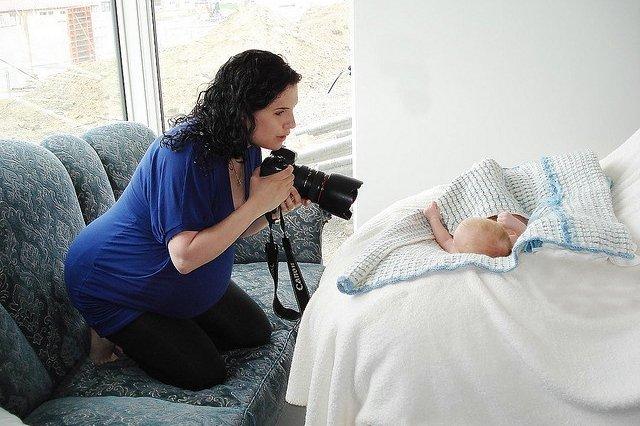 Как фотографировать детей до года