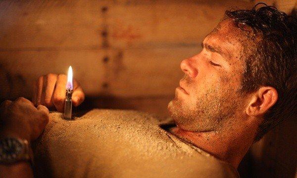 Сюжет фильма Погребенный заживо 2010, отзывы