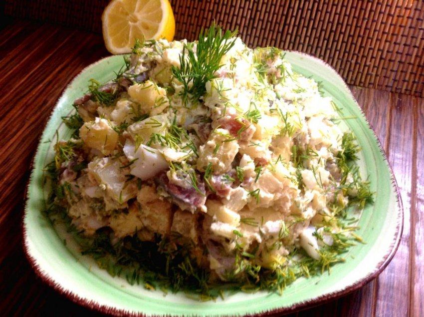 Рецепт салата с соленой селедкой