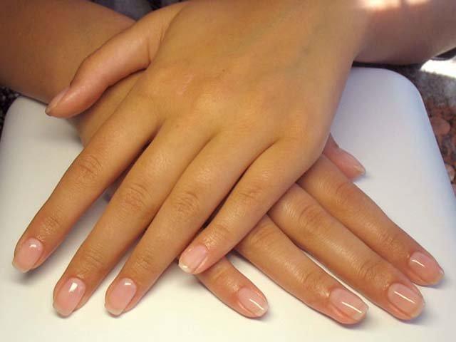 Как можно снять нарощенные акриловые или гелевые ногти в домашних условиях? Детальные инструкции с видео