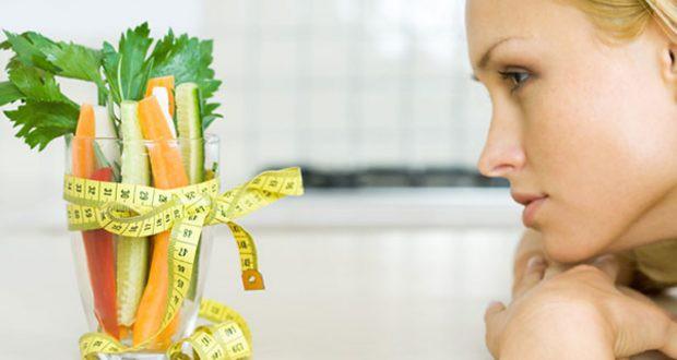 Какие витамины лучше принимать во время диеты