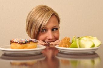 Почему хочется сладкого и как унять эту «жажду»?