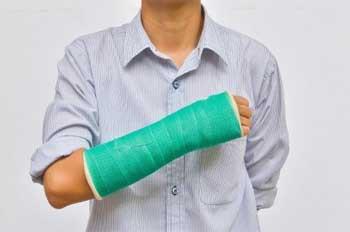 Лечение переломов народными средствами: кости, пятки, ноги, стопы, руки и так далее