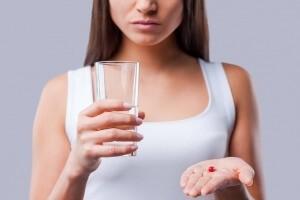 Как убрать звон в ушах — народное, медикаментозное лечение и антибактериальные препараты