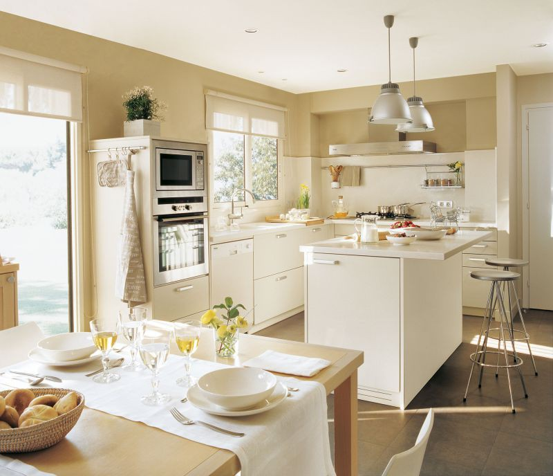 Кухня 25-30 кв