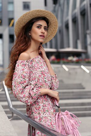 Платье-крестьянка в street style