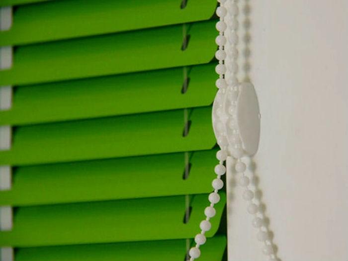 Ламели для вертикальных и горизонтальных жалюзи из пластика, алюминия и ткани
