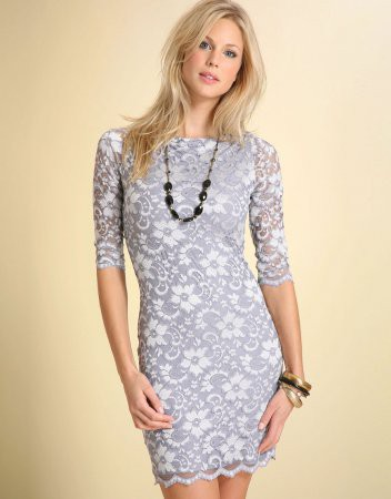 С чем носить кружевное платье?