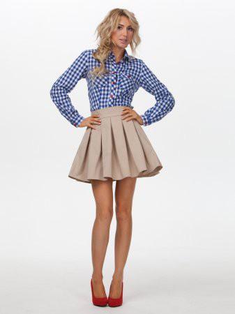 С чем носить бежевую юбку