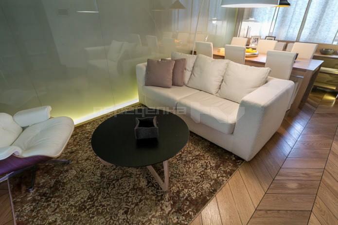Совмещенная гостиная-столовая 18 кв
