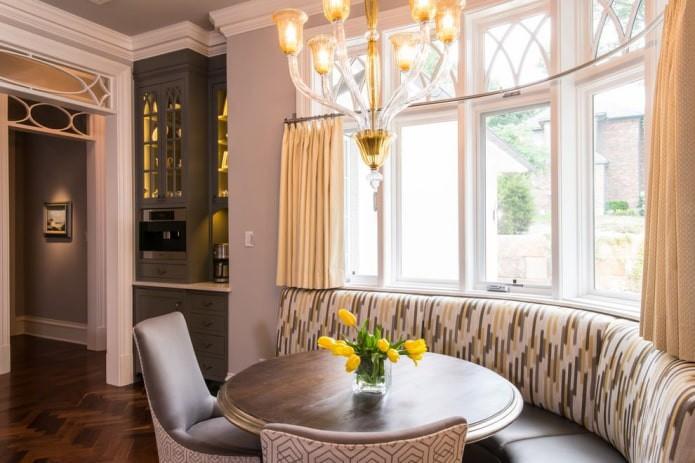 70 вдохновляющих фото идей золотых штор в интерьере спальни, гостиной, кухни и детской