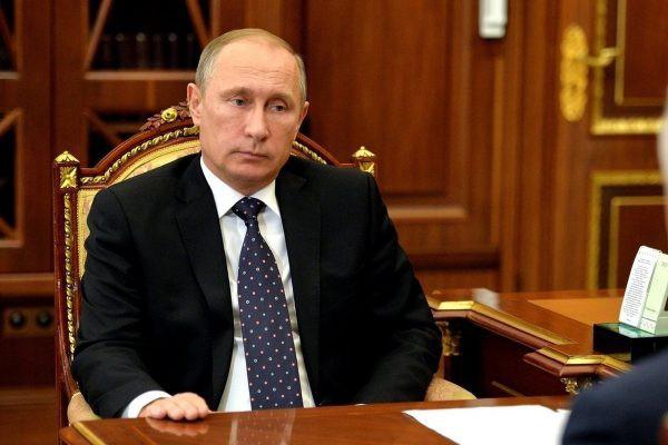 Во сколько лет уходят на пенсию женщины в России