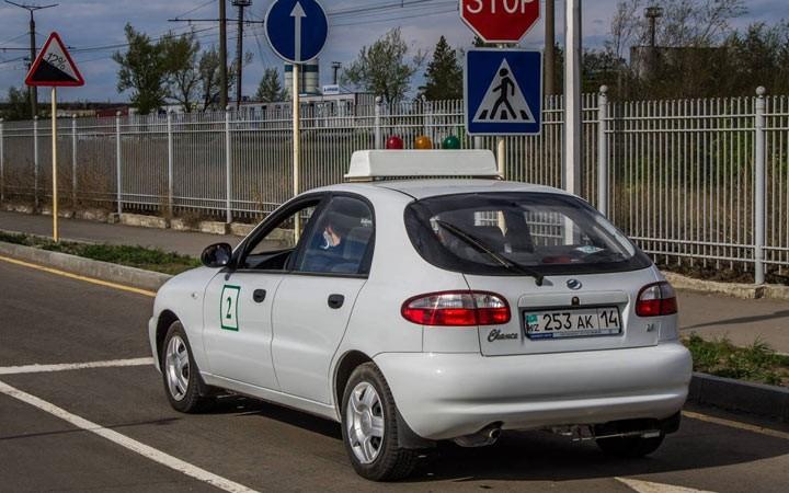 В России ужесточили требования к автошколам в 2019 году
