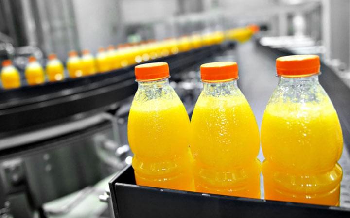 В России предложили удвоить НДС для напитков с сахаром