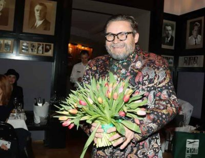 Эксперт моды Александр Васильев назвал Сергея Лазарева «гномом-коротконожкой»