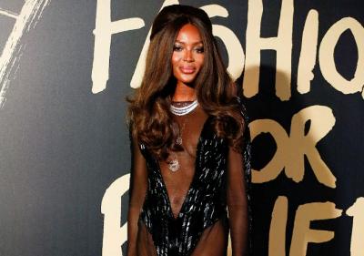 49-летняя Наоми Кэмпбелл показала стройную фигуру в полупрозрачном платье