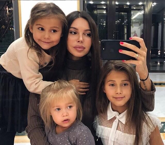 Оксана Самойлова показала, во что ее с Джиганом дочери превратили ванную комнату