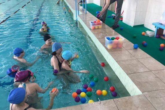 Россиянам суд разрешил посещать бассейн без справки