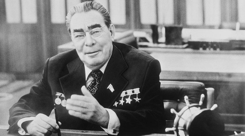 """Кем был человек, получивший 5 золотых звезд Героя и аннулированный орден """"Победы"""""""