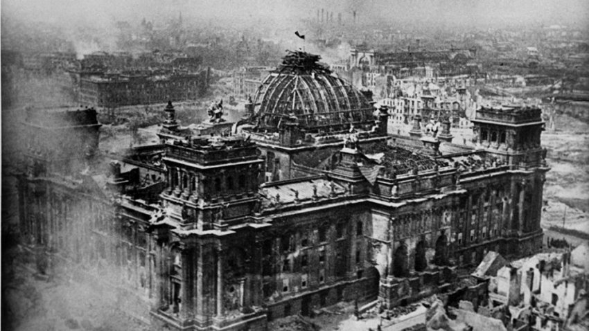 Знамя над Рейхстагом: Фото, за которое Виктора Темина едва не расстреляли