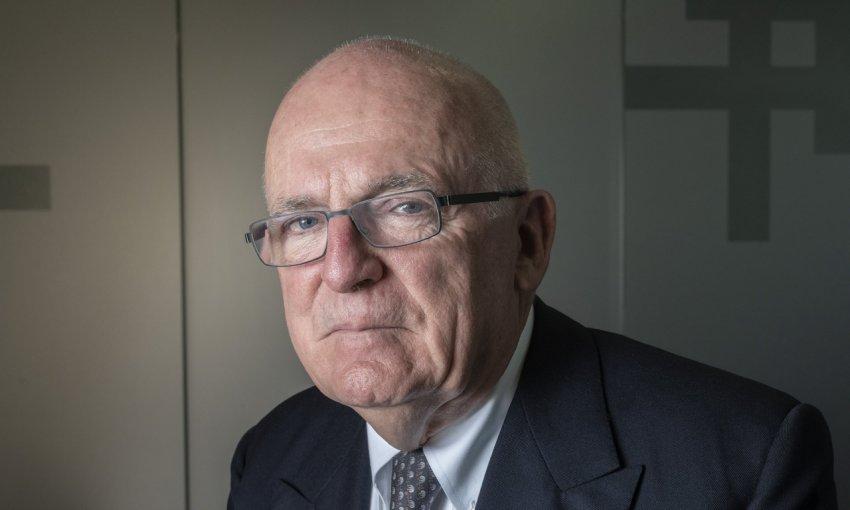 Бывший глава MI6 уверен в том, что коронавирус был создан людьми