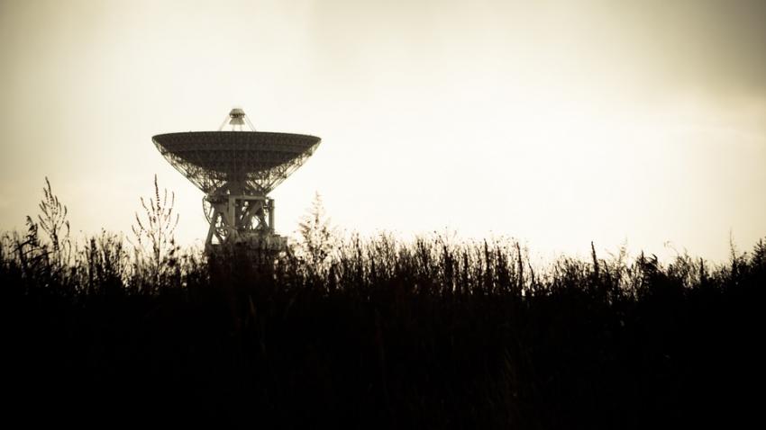 Астрономы зафиксировали загадочные радиосигналы, издаваемые круглыми объектами