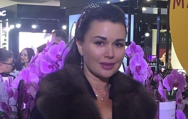 У Анастасии Заворотнюк возникли осложнения в связи с тяжелым лечением