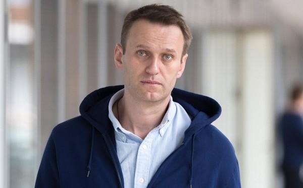 Навальный находится в тяжелом состоянии после отравления