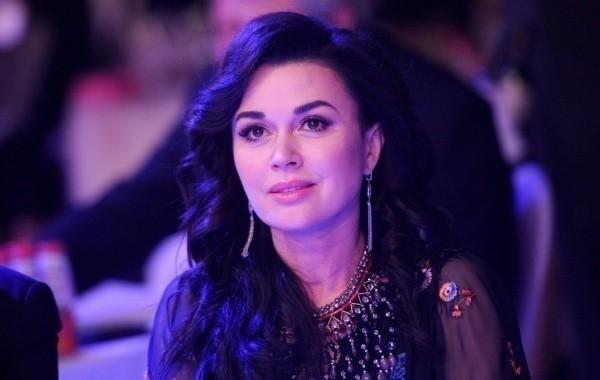 Анастасия Заворотнюк готовится вернуться в профессию