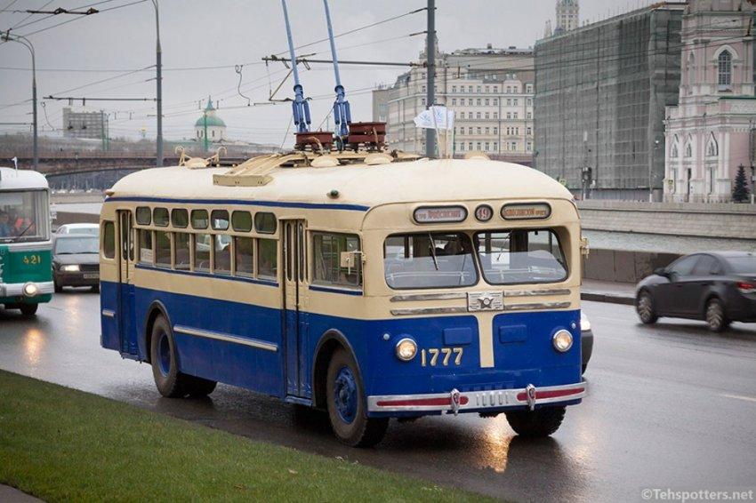 Первые троллейбусы в России