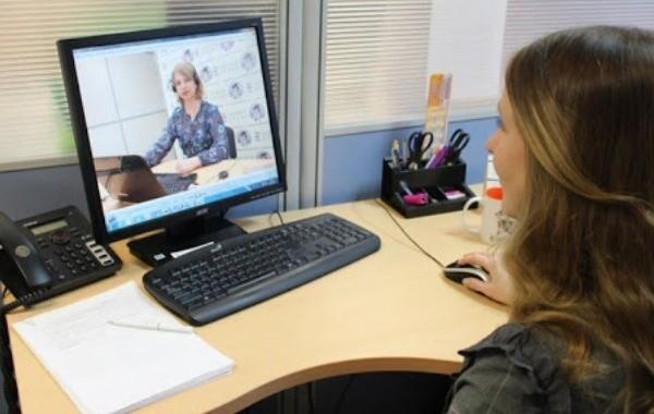 В России постепенно возвращается дистанционное обучение