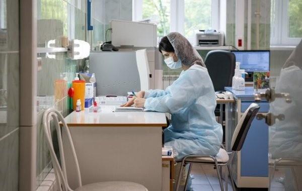 Почти 2 тысячи заболевших коронавирусом выявили в Москве