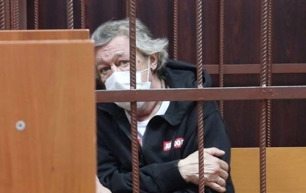 Ефремов возместил ущерб старшему сыну погибшего в ДТП мужчины