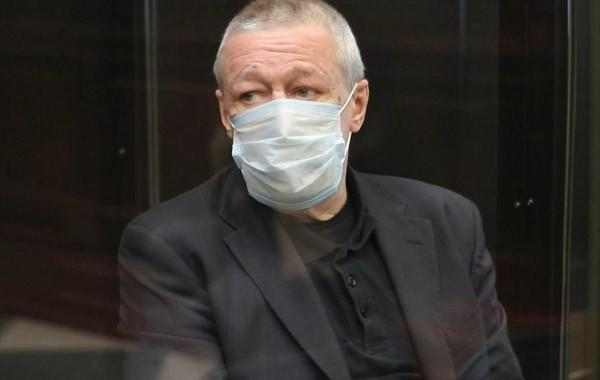 Ефремов расстроился из-за нового решения суда