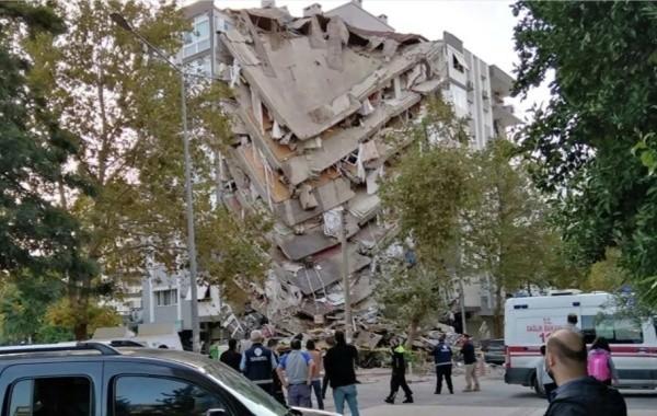 Возросло число жертв землетрясения в Турции