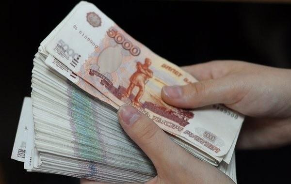За период пандемии россияне стали опасаться хранить деньги в банках