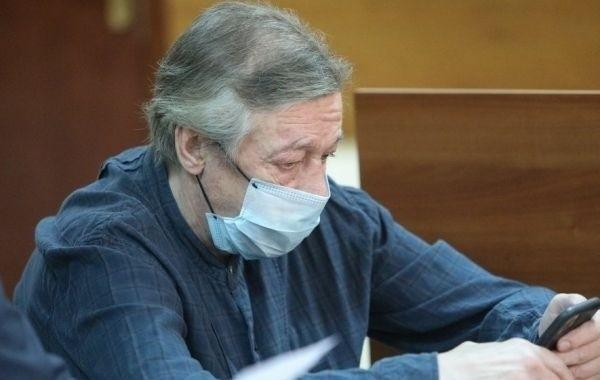 Отправленный в колонию Михаила Ефремова затерялся