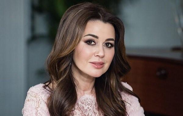 Дочь Анастасии Заворотнюк впервые подтвердила тяжелую болезнь матери
