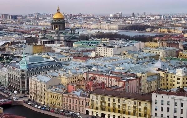 В Санкт-Петербурге готовятся ввести полную изоляцию