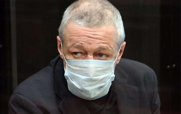 Михаил Ефремов сможет пользоваться в тюрьме услугой видеотелефония