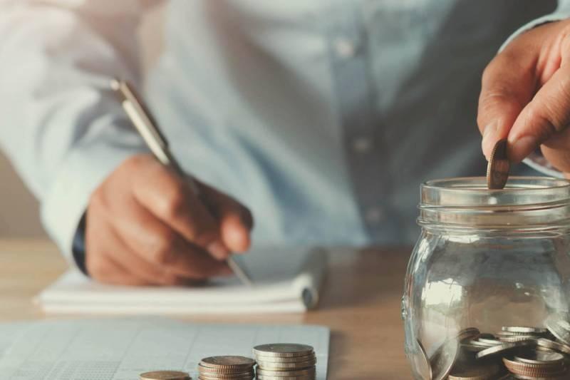 Как накопить деньги без ущерба для семьи при средних доходах