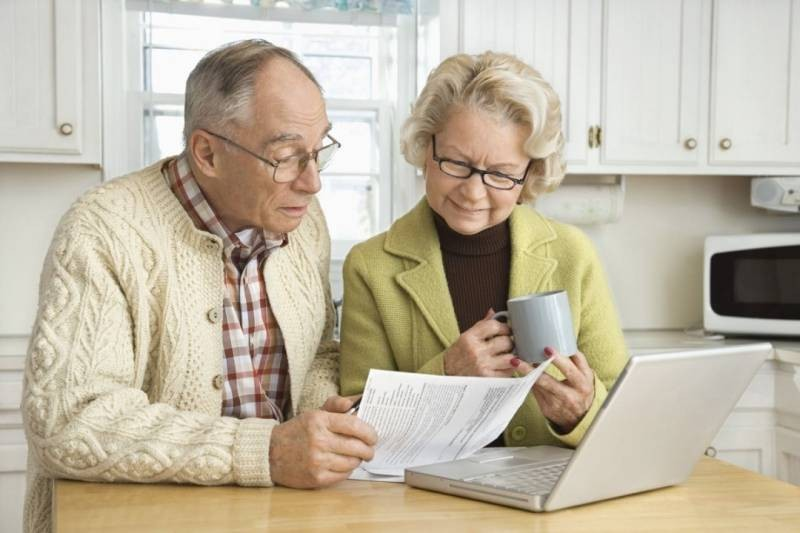 Индексацию пенсий работающим пенсионерам возобновят в 2021 году
