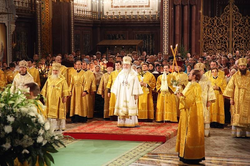 Прямая трансляция рождественских богослужений в Храме Спасителя в январе 2021 года