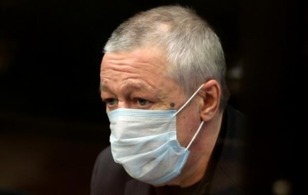 Родственники не навещают Михаила Ефремова в тюрьме