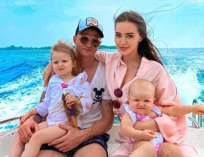 Дмитрий Тарасов намекнул на третью беременность супруги Анастасии Костенко
