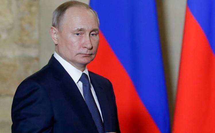 Владимир Путин хочет отменить предельный возраст для пребывания на гражданской службе