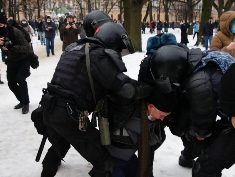 Дмитрий Песков прокомментировал проходящие митинги в поддержку Алексея Навального