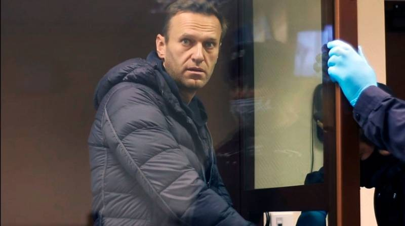 В Москве состоялся суд над Алексеем Навальным по делу о клевете на ветерана ВОВ Игната Артеменко