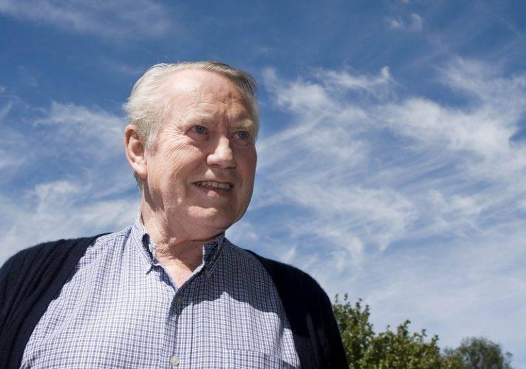 Почему миллиардер Чарльз Фини добровольно решил стал нищим